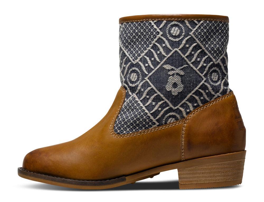Roxy Clyde Boot